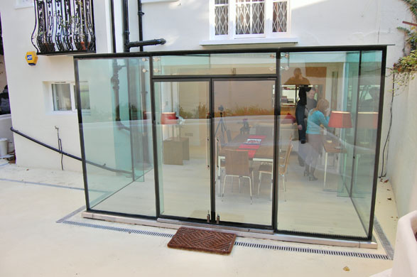 Out Of The Frame 6 Inspiring Frameless Solutions For Your Home Extreme How