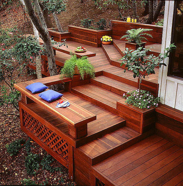 10 Ways To Create A Backyard Oasis: Turn Your Deck Into An Outdoor Oasis